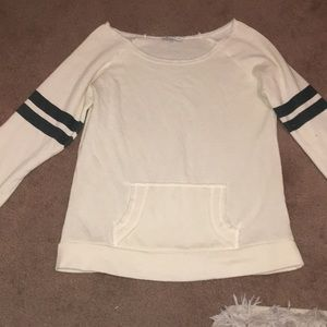 Size small never worn sweater from buckle